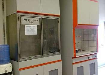 Bomba de vácuo para laboratório químico